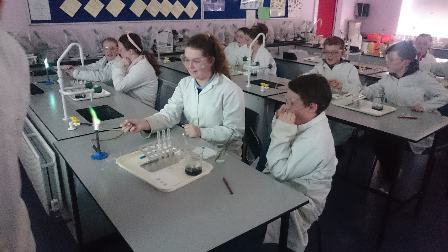 Incoming-students-experimenting-with-Science